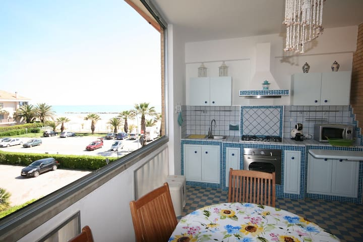 Appartamento fronte mare un incanto - San Benedetto del Tronto - Byt
