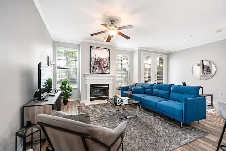 Jurny | Uptown | Touchless 2 Bedroom