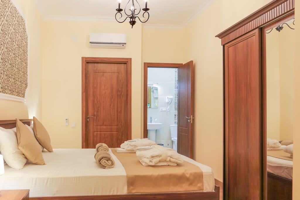Suites with City View / Люкс с Видом на город