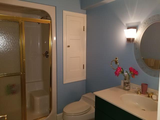 Suite Private Bathroom