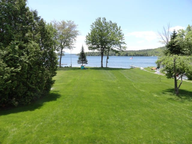 """Barber Shores"" on Lake Winnipesaukee! - Moultonborough"