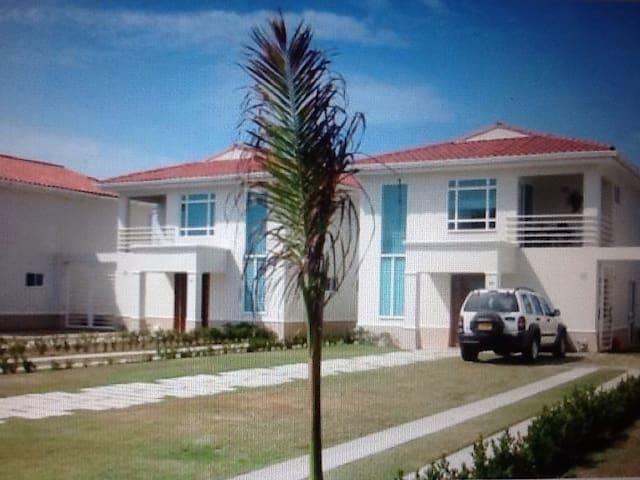 Casa con playa privada en Cartagena - Arroyo de Piedra