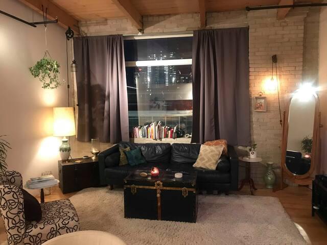 Bright & Beautiful NYC Style Loft