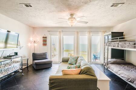 Beautiful *True Beachfront* Condo along Scenic 30A