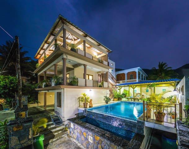Blue Pearl villa - La Gaulette