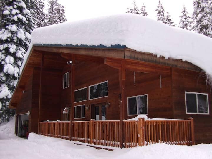 Elk Tracks Lodge