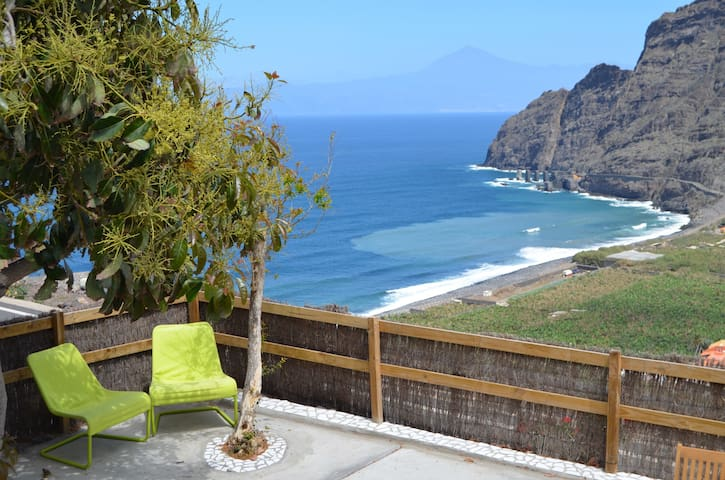 2-bedroom villa with ocean-view - Agulo - Huis