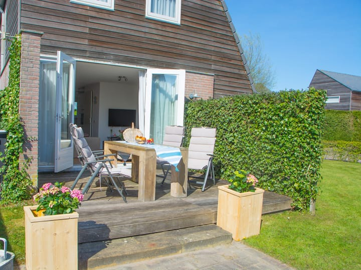Comfort. huis + privé sloep te huur nabij Pikmeer