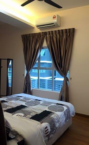 舒适的房间。拥有一张King size双人床