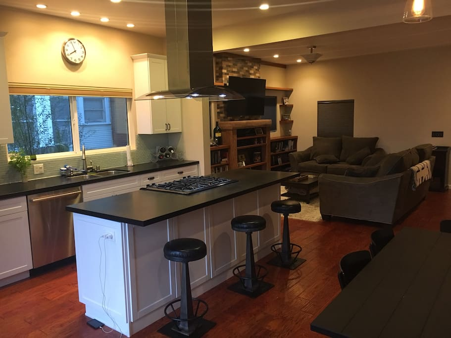 Open concept kitchen that opens to back deck!