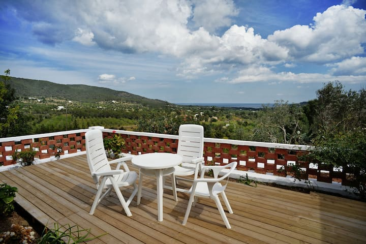 Private double bedroom with panoramic view - Santa Eulària des Riu - Casa