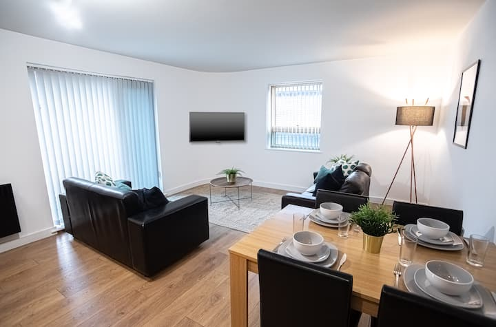 ★Modern & Comfy 2 Bed IQuarter Apartment★