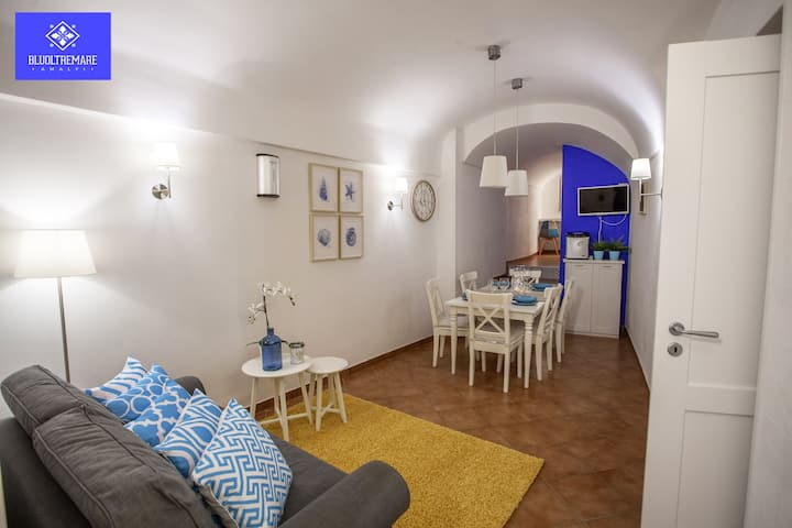 Bluoltremare, your home in Amalfi!