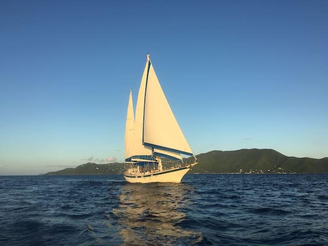 Sailing Ketch -  Sea Level - BnB - St John - Boat