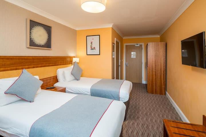 Mehfil Hotel Twin En-Suite Non refundable