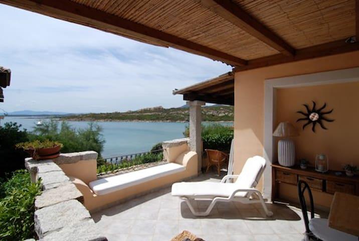 Casa Paola, front sea - Golfo Aranci