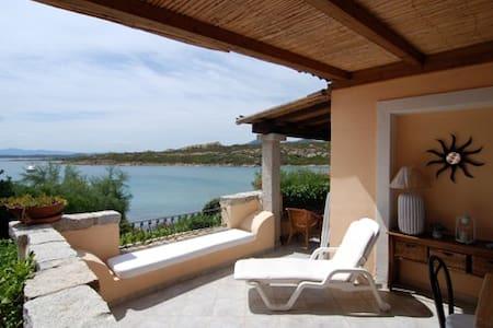 Casa Paola, il mare di fronte a voi - Golfo Aranci - Huoneisto