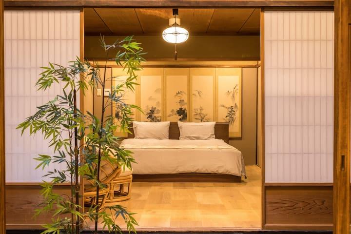 一楼双人床1st Floor Bedroom