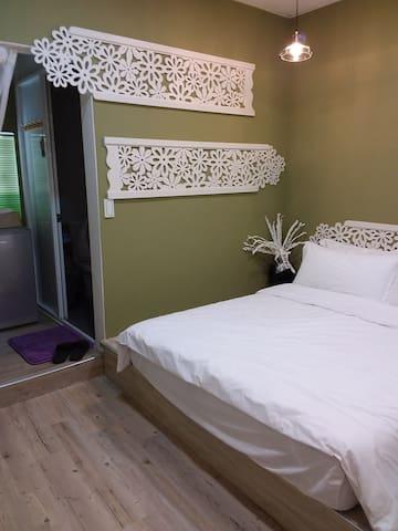 薇風~四樓橄欖綠(近孔廟文化區)可入住1-2人