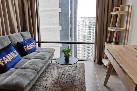 Simply.Comfy.Homey. Empire Studio #FREE PARKING#