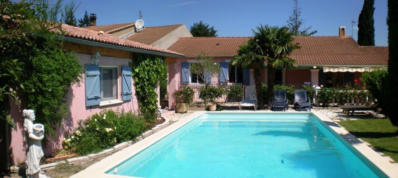 Provence villa w/private pool, rose gardens, A/C