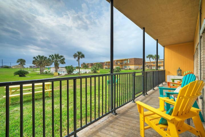 SHORELY BLESSED *Courtyard & Pool View *Beachfront *2 POOLS