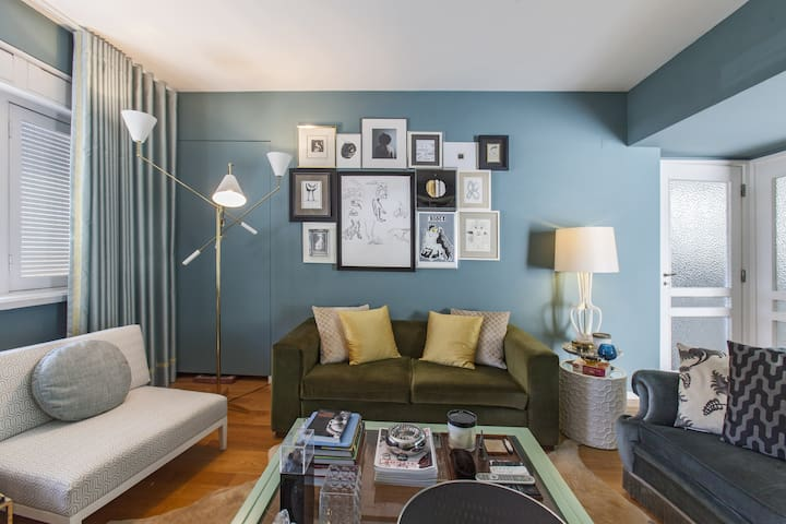 Charming 1950's downtown bedroom - Porto