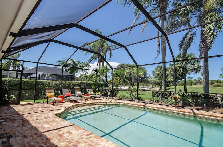 Golf course view with pool & grill! - Tequesta - Haus
