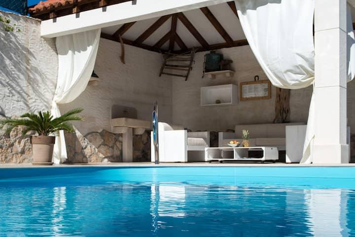 Villa Island Brac ( heated Pool )