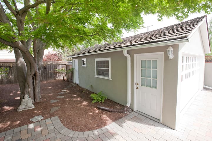 Quiet , Private Studio / Cottage  - Redwood City - Apartamento