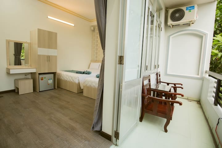 High Superior Rom with Balcony - Mr Duy 2 Hostel