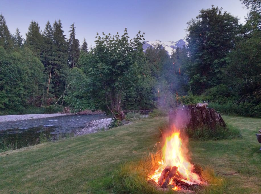 TIme to listen to the  river and watch the stars.  Some guests just spend the night sleeping next to the fire.