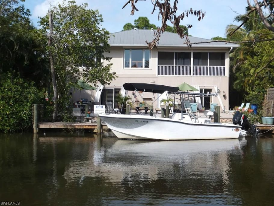 Back of House on the water with Gulf access.