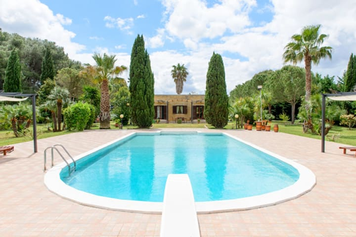 Exclusive villa with pool - Villa Laura