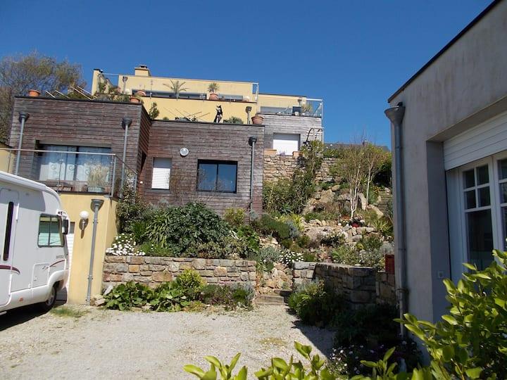 Appartement entre bourg et mer