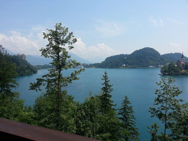 Sovica, house in Bled, right next to lake - เบลด - บ้าน