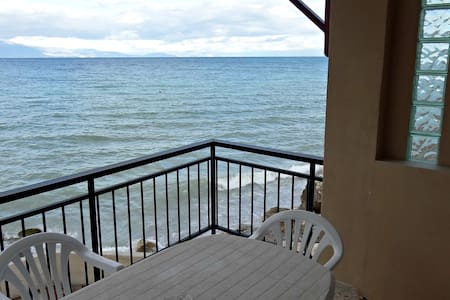 Nothing but infinite sea of the Corinthian gulf! - Xilokastro - House
