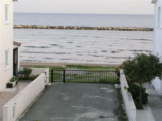 3 Bedroom Front SeaView Grand Villa - Oroklini - Vila