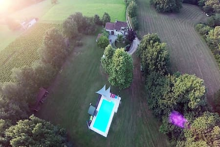 Authentiek landhuis in Puy-L'Evêque met privé zwembad