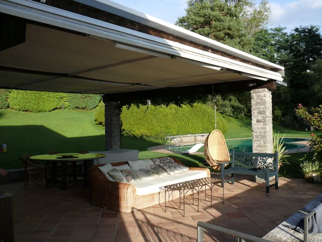 Villa on the Lago Maggiore  - Laveno-Mombello - 別荘