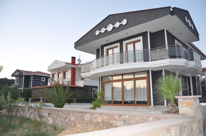 ayvalık'ta geniş aileler için villa - Ayvalık - Villa