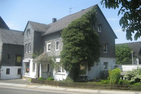 Large house between Rhine/Moselle - Gödenroth