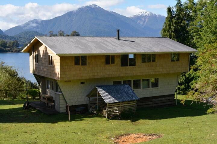Casa Colonos, Fundo Lago Rosselot