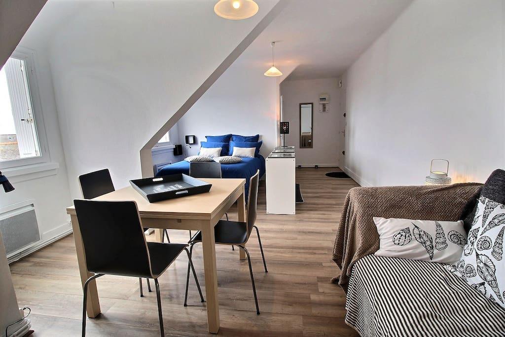 ty nonna appart vue sur mer st gu nol penmarch appartements louer penmarch bretagne france. Black Bedroom Furniture Sets. Home Design Ideas
