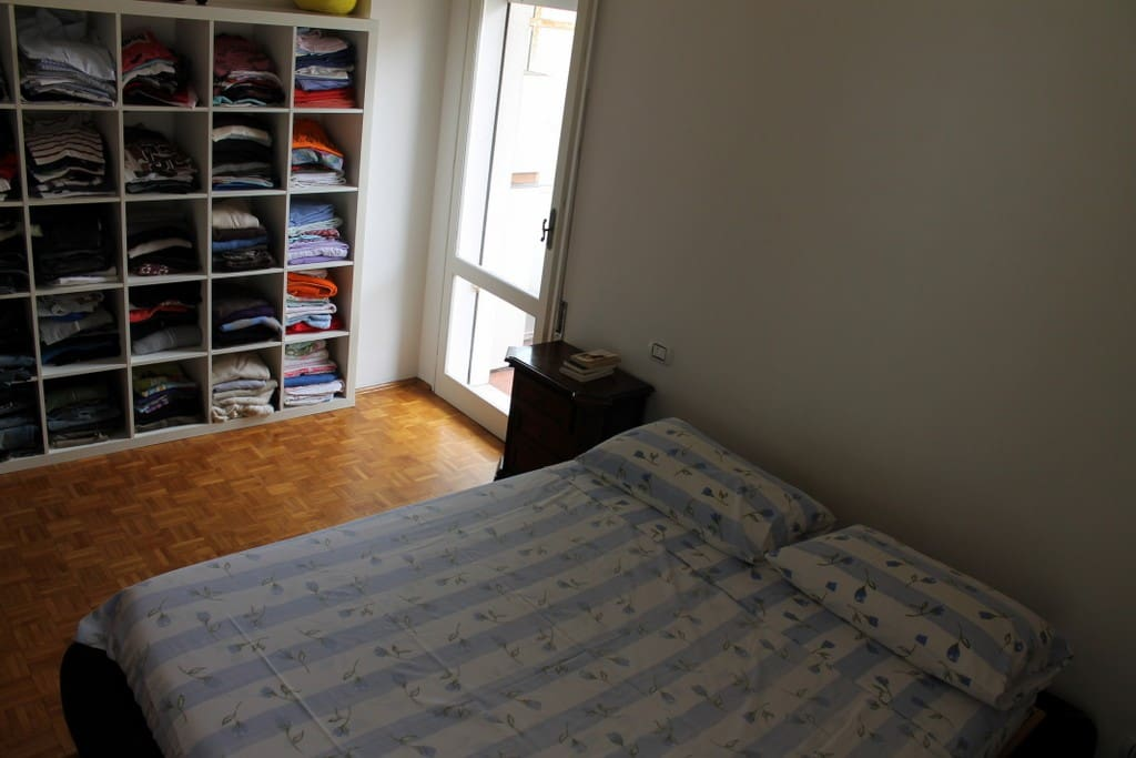 Camera da letto matrimoniale con 2 terrazzi