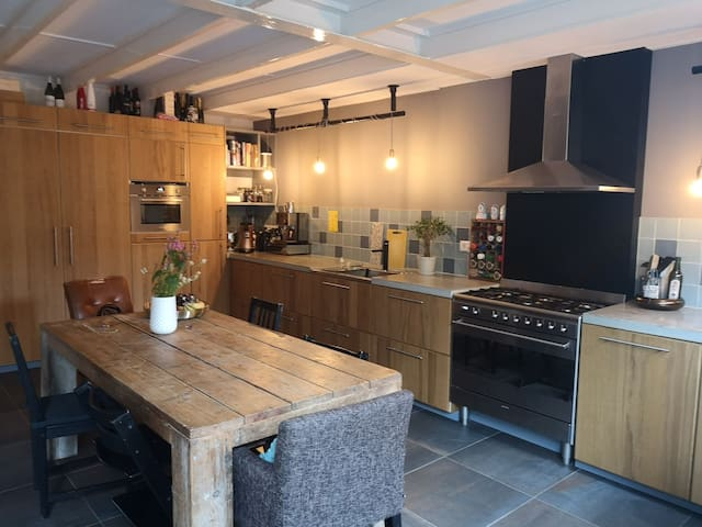 Family house in Laren, close to Amsterdam, 7+kids