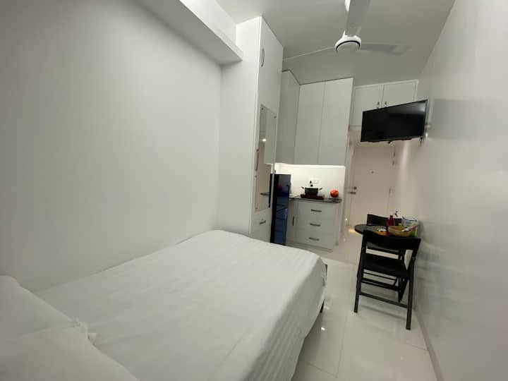 Service Apartment in Bashundhara R/A with kitchen
