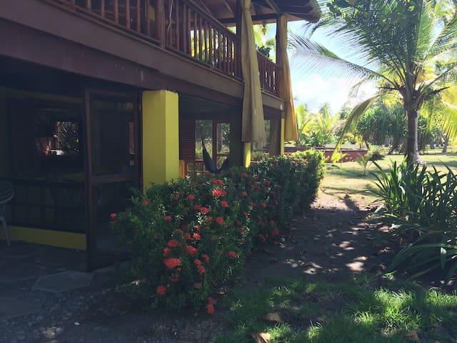 Cabina Amarillo - Playa Zancudo - Srub