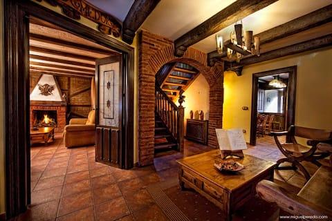 """Villa de Urueña """"Casa de los ilustres"""""""