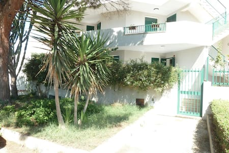Casa Marina di Ragusa 4 a 8 persone - Plaja Grande - Hus
